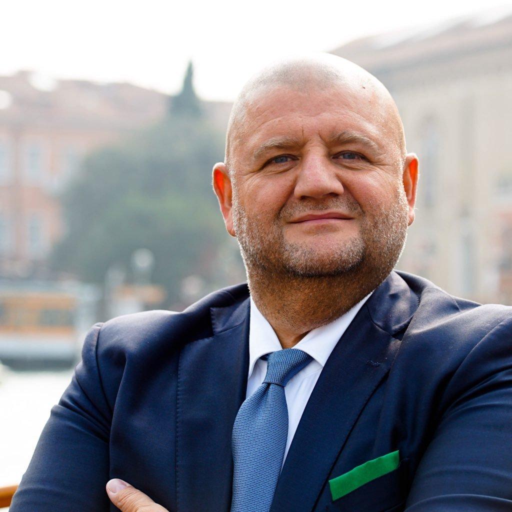 Immagine Commercio, Marcato: Impegno da 5 milioni di euro per sostenere i piccoli esercenti. Obiettivo la rinascita dei nostri centri storici - Approvato il nuovo bando per 25 distretti.