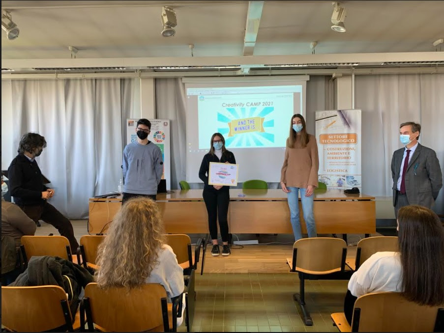 Immagine Awarded the students of the schools of Treviso and Oderzo: Cellulose from apple peels and reusable pizza box